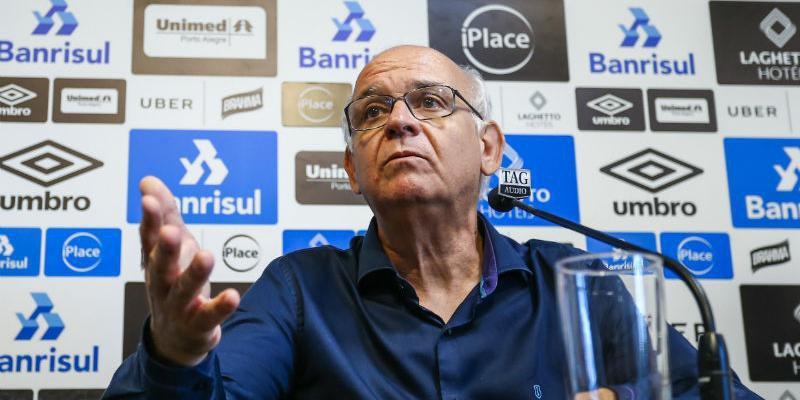 Romildo Bolzan divulgou nota oficial pelo Grêmio