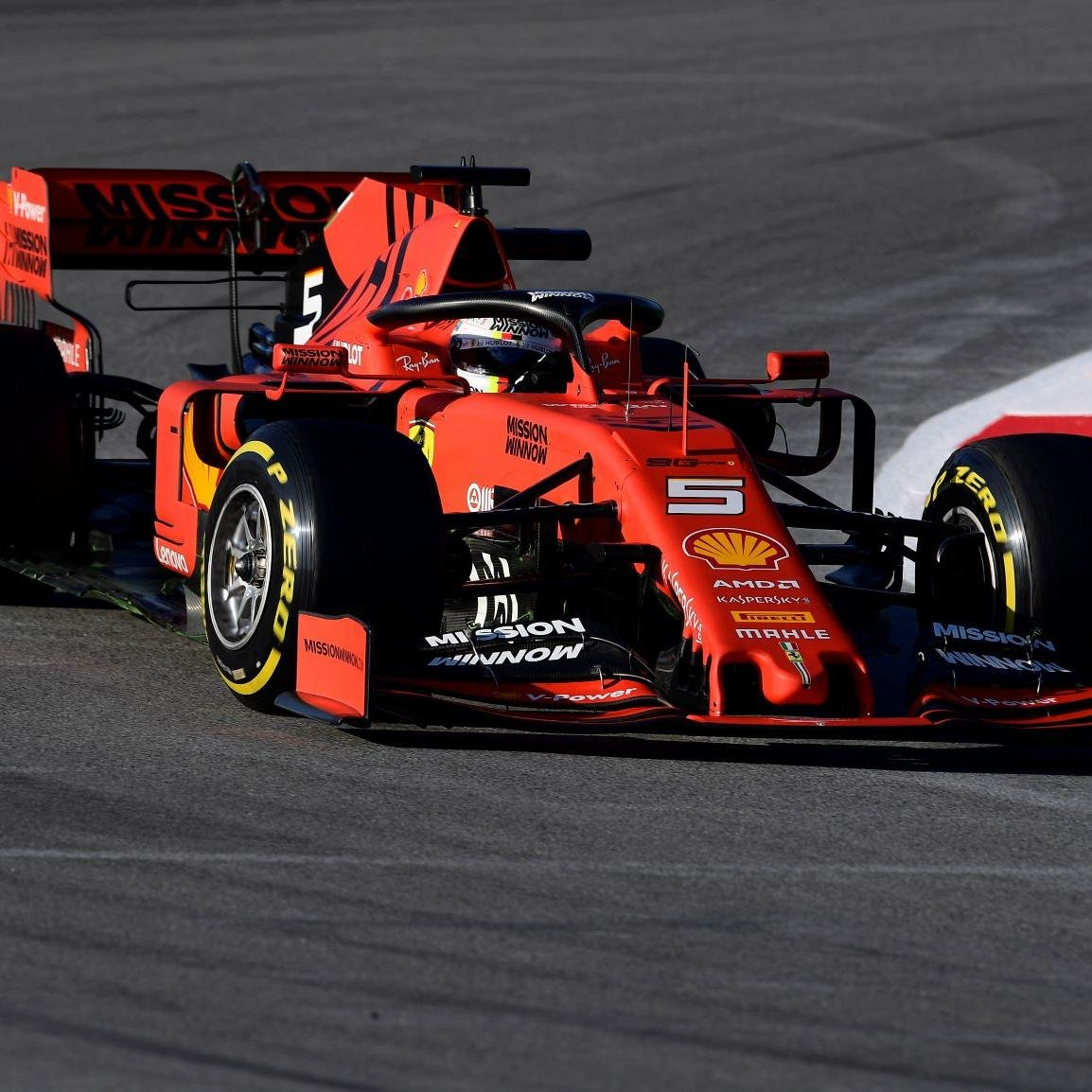 Vettel cravou melhor tempo e completou 169 voltas em Barcelona