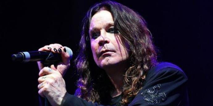 Ozzy Osbourne precisou ser internado recentemente para o tratamento