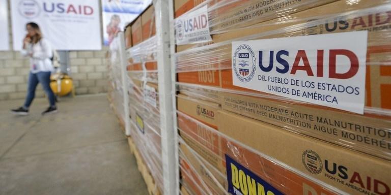 Estados Unidos têm postos na fronteira da Venezuela para entregar ajuda humanitária