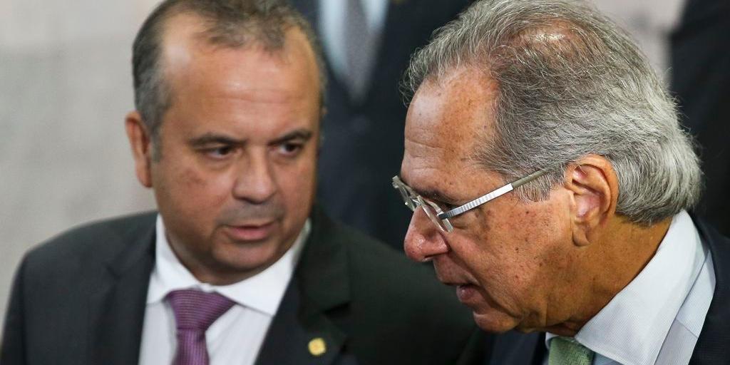 Ministro da Economia, Paulo Guedes, já deixou a reunião com governadores para apresentação da reforma da Previdência