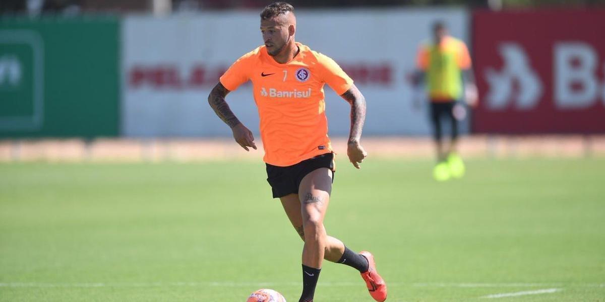 Nico López pegou dois jogos de suspensão no Gauchão