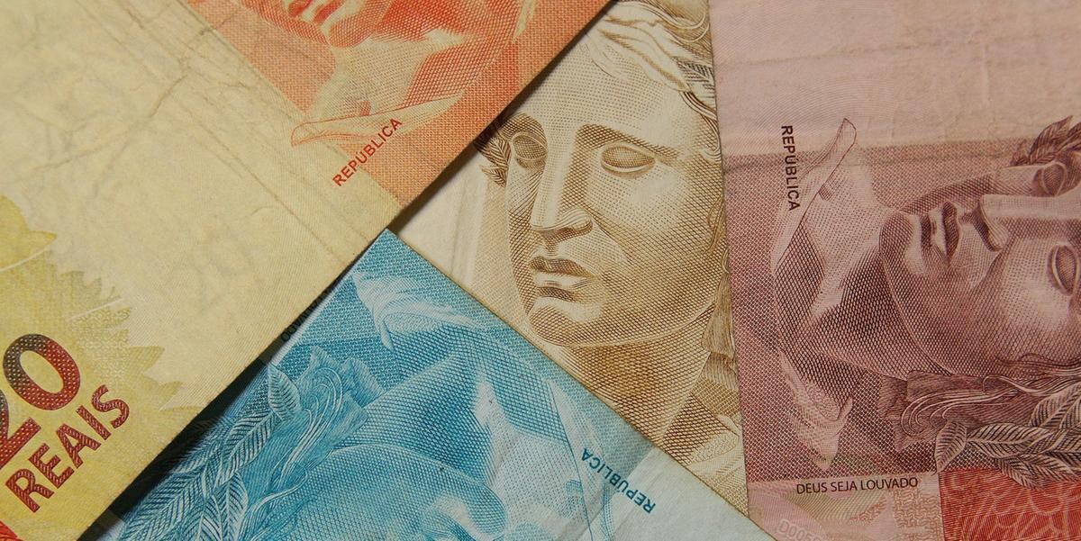 Pela primeira vez, o valor do salário mínimo ultrapassará R$ 1 mil
