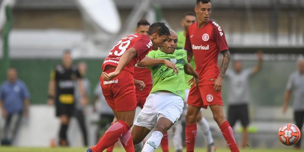 Sarrafiore marcou o gol da vitória sobre o Avenida