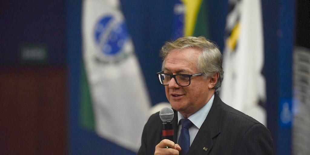 Com recomendações, carta assinada por ministro Ricardo Vélez foi encaminhada a escolas do país