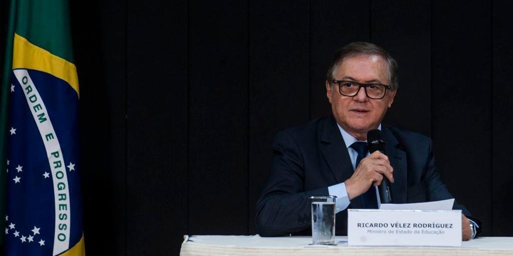 Rodríguez determinou a retirada do trecho em que pede a gravação das crianças em escolas