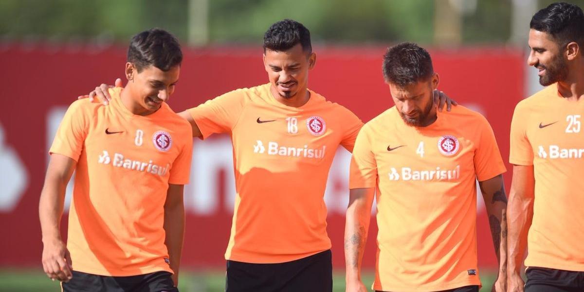 Sarrafiore destacou ajuda dos atletas mais velhos do elenco do Inter