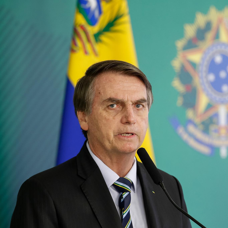 Perguntado sobre a base para aprovação no Congresso, Bolsonaro foi enfático e afirmou que não vai negociar cargos