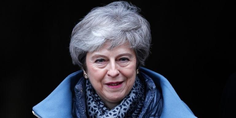 Deputada e ex-primeira ministra britânica acusou governo de colocar em risco paz na Irlanda do Norte