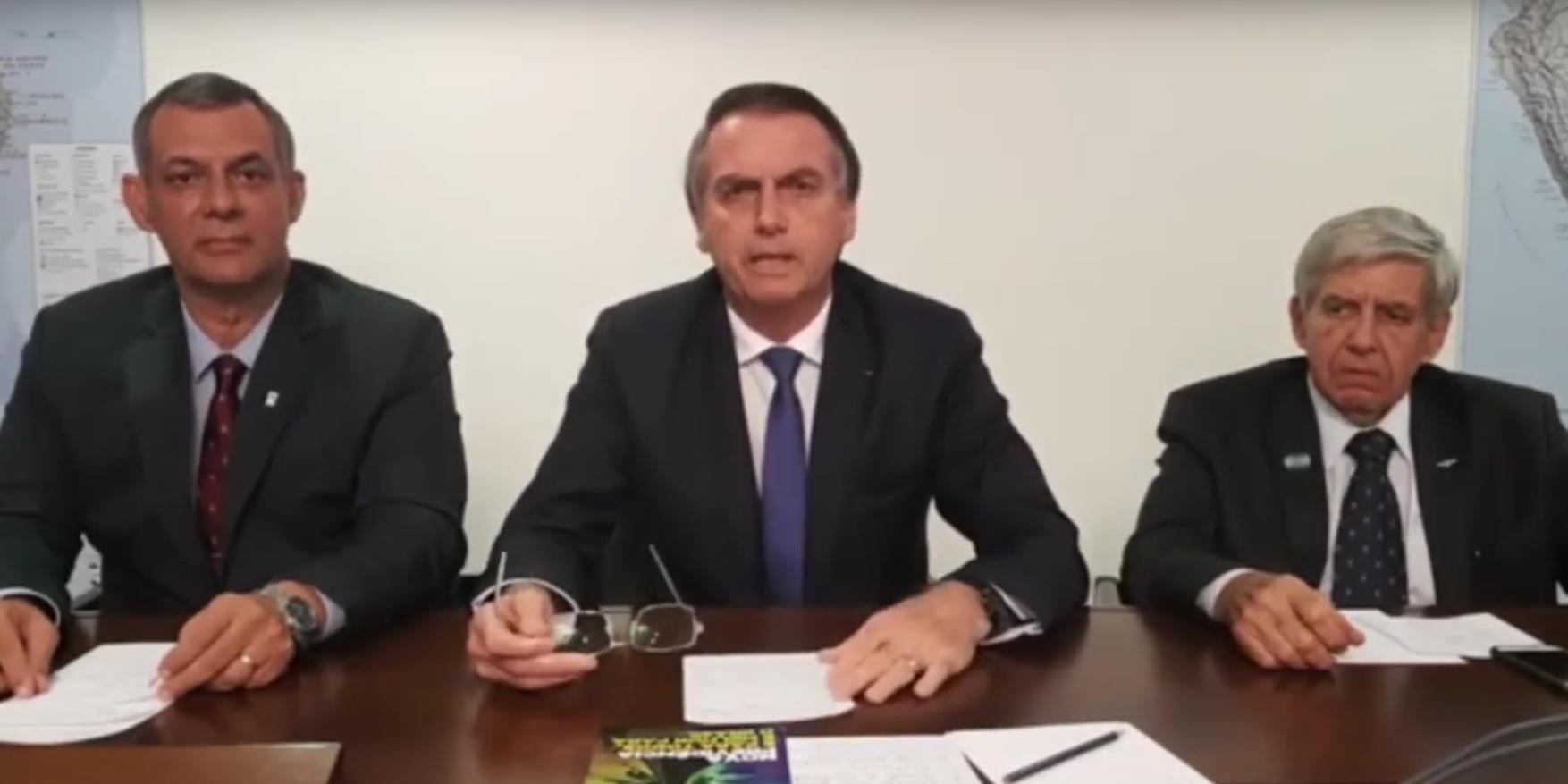 Bolsonaro iniciou série de lives no Facebook