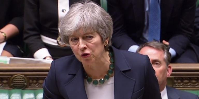 A saída do Reino Unido da União Europeia, prevista para ocorrer em 16 dias, pode ser adiada durante um longo período
