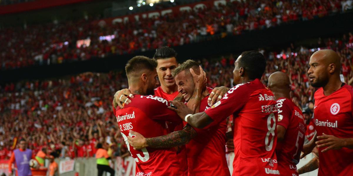 Nico López marcou os dois gols na vitória de 2 a 0 sobre os peruanos | Foto: Ricardo Giusti