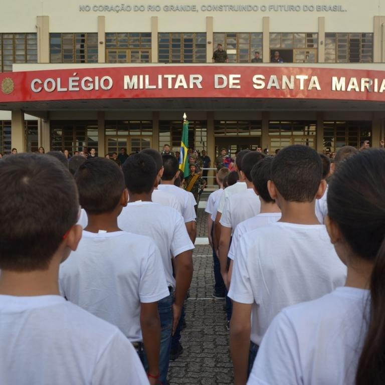 Aluno postou, na internet, mensagens alusivas ao tiroteio na escola de Suzano, São Paulo
