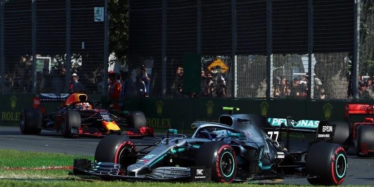 Piloto da Mercedes também levou ponto extra pela volta mais rápida da corrida