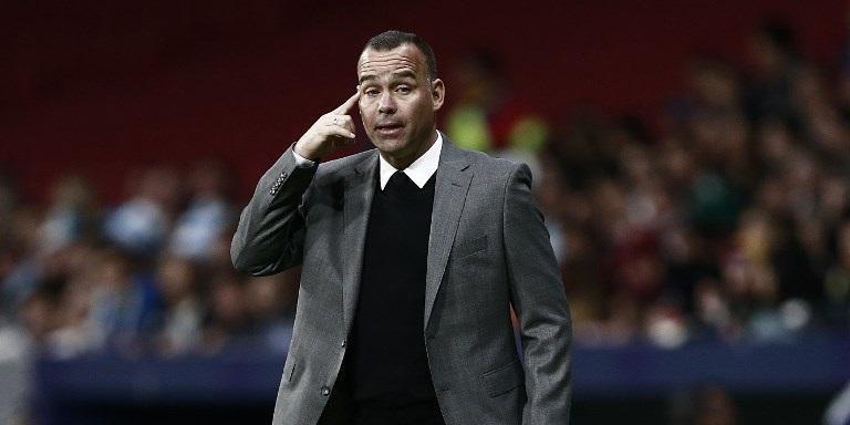 Treinador obteve feito histórico em amistoso na Espanha