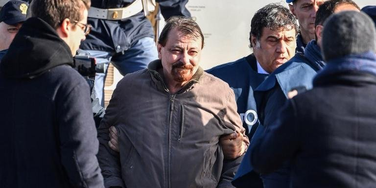 Battisti assumiu responsabilidade por quatro homicídios na Itália