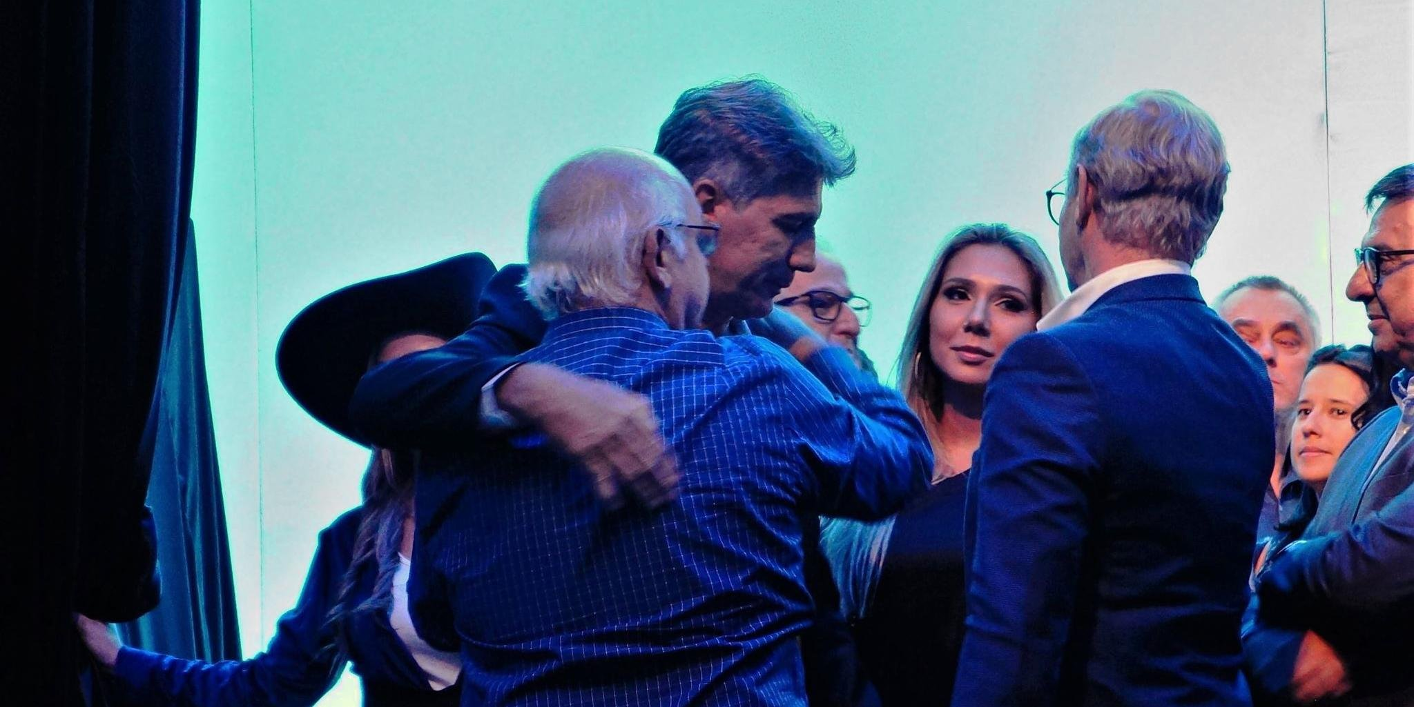 Presidente gremista destacou postura de Renato fora dos gramados