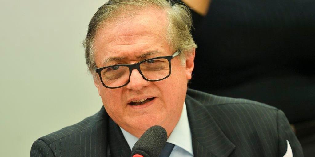 Presidente negou que tenha decidido exonerar Vélez na quarta-feira