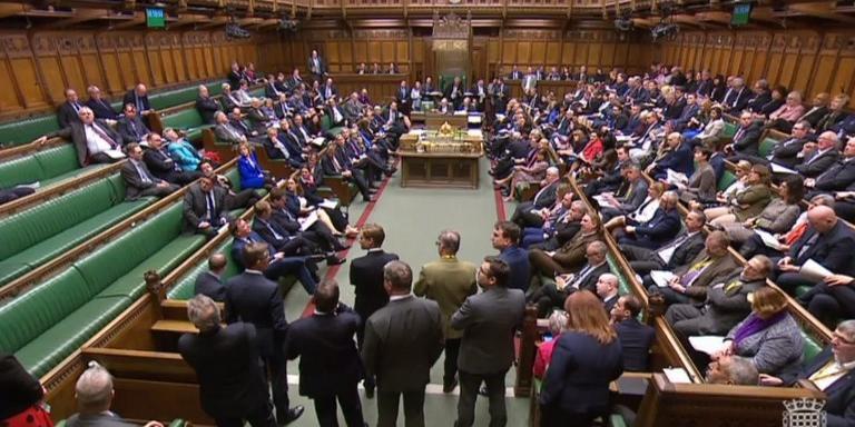 Parlamento do Reino Unido rejeitou alternativas para a saída do país da União Europeia