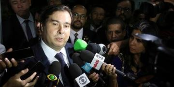 Maia evitou comentar uma possível falta de mobilização do Planalto para aprovação do tema