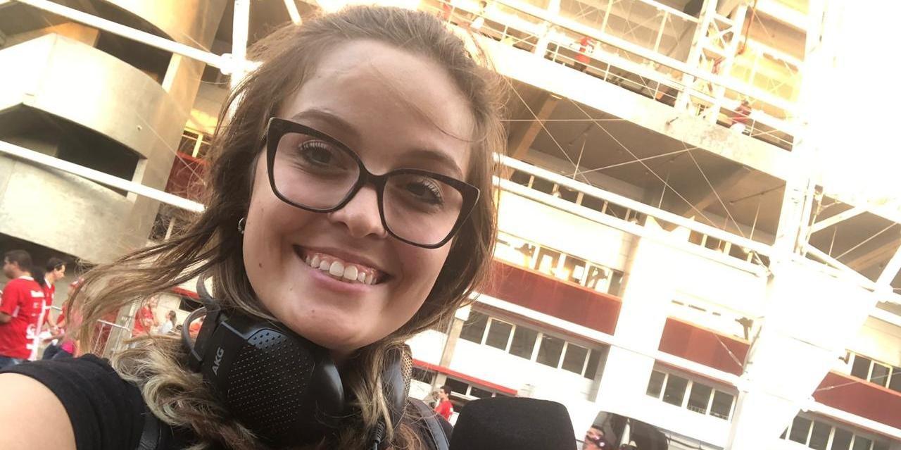Repórter Laura Gross, da Rádio Guaíba, sofreu assédio antes do jogo entre Inter e River no Beira-Rio