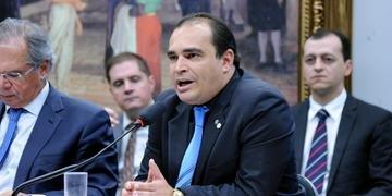 Freitas informou que decidiu incluir no parecer alguns pontos que foram discutidos na CCJ