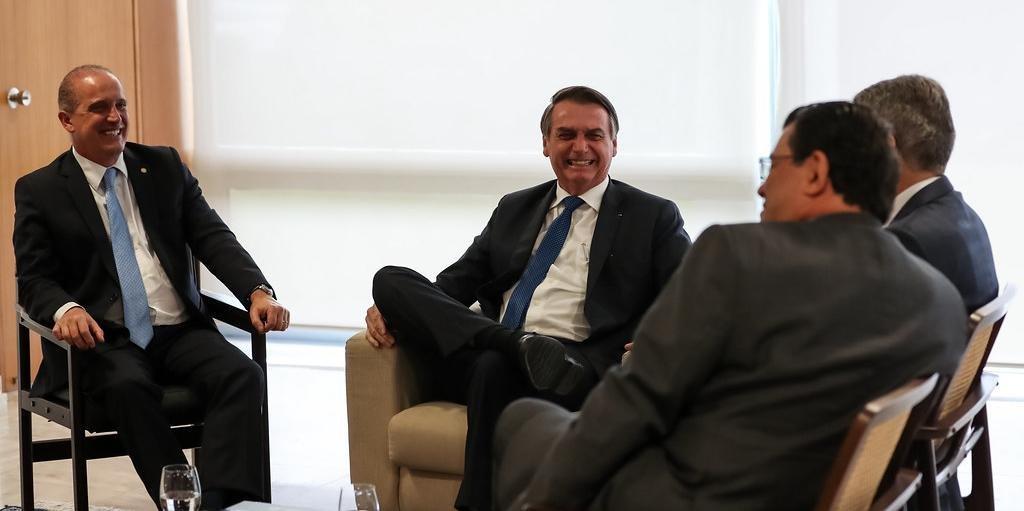 Onyx acompanhou as conversas ao longo do dia entre Bolsonaro e dirigentes políticos