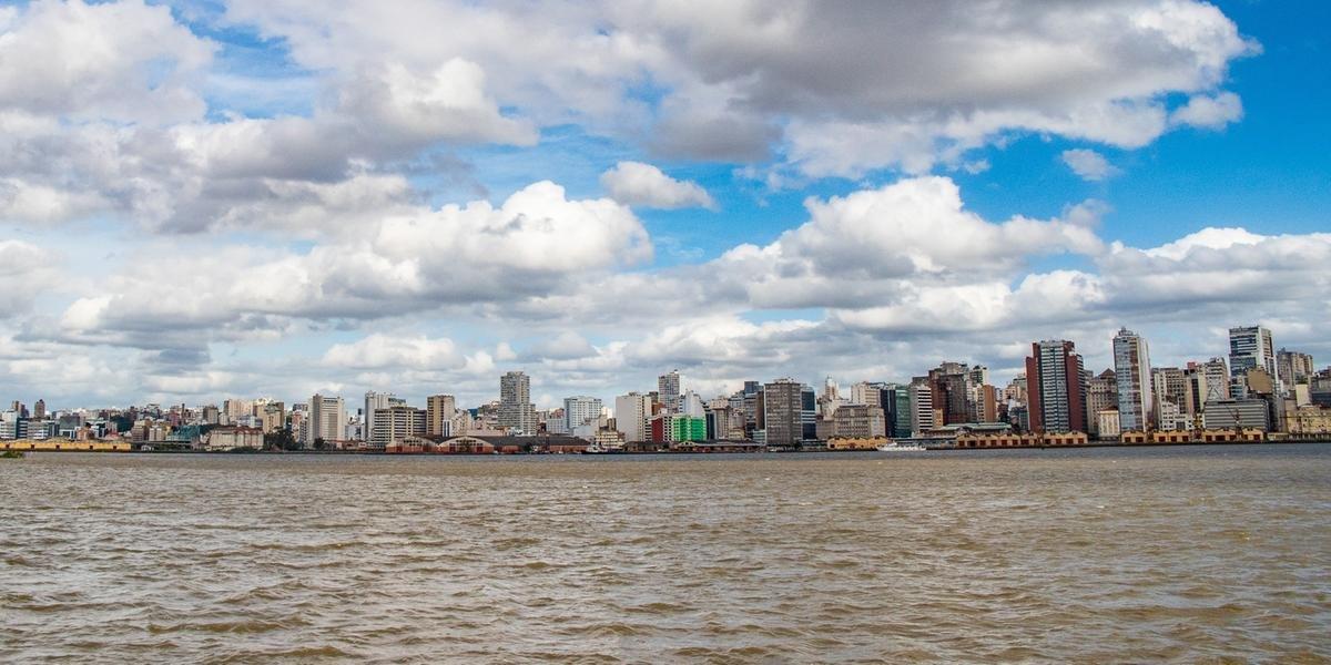Porto Alegre terá nuvens e máxima de 21°C neste domingo de dia dos pais