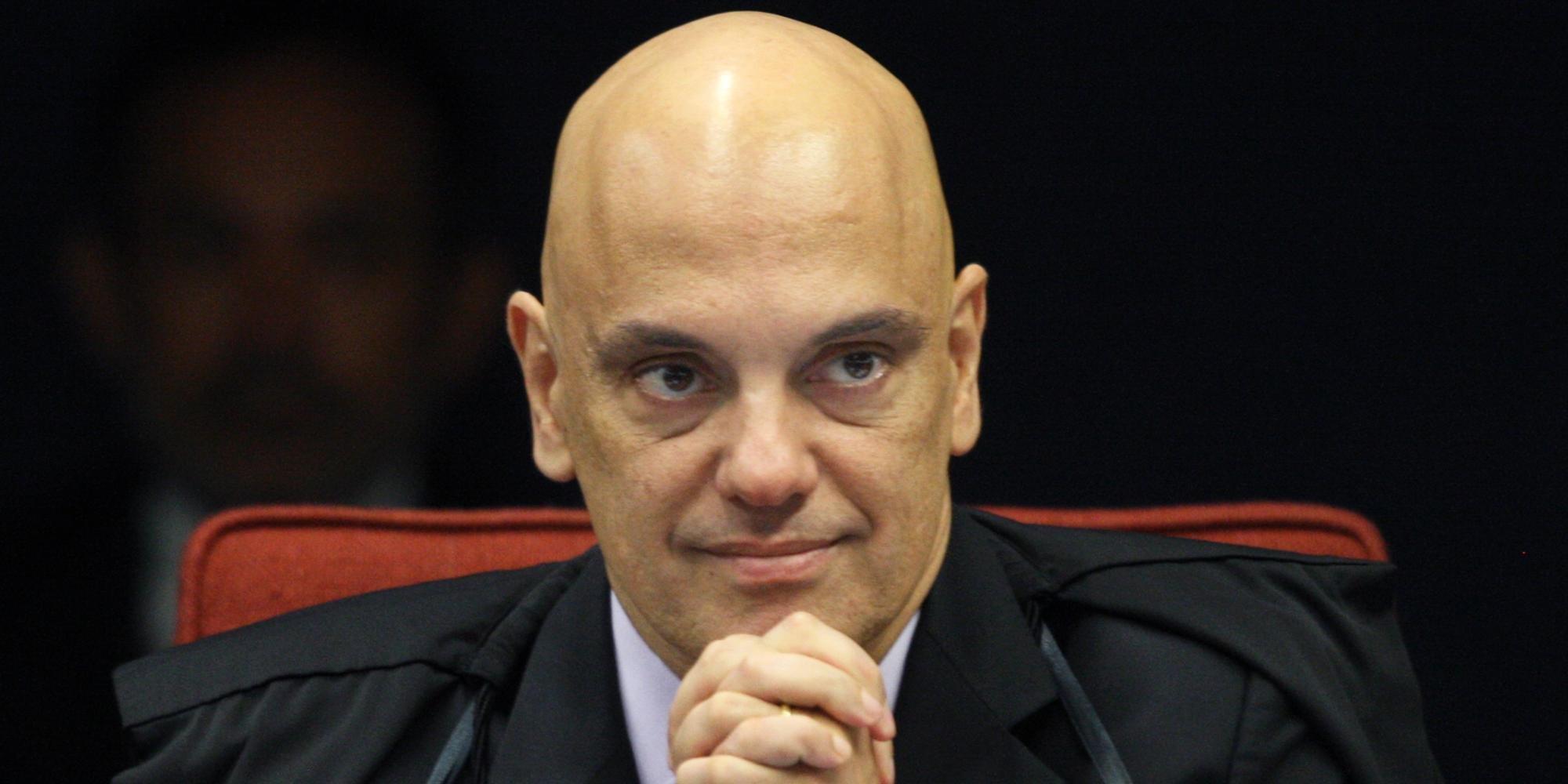 No dia 21 de março, o ministro Alexandre de Moraes, relator, determinou medidas de busca e apreensão no âmbito da investigação