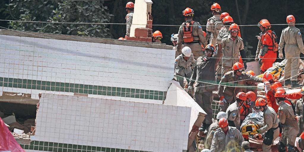 Corpo de mulher foi encontrado no final da noite desse domingo nos escombros de desabamento no Rio