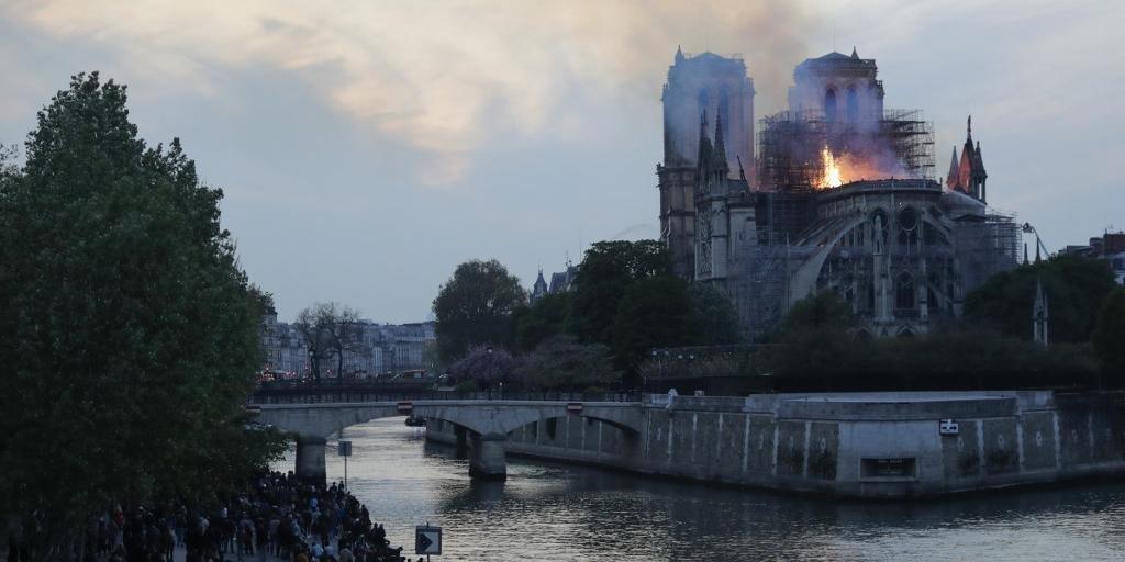 Local foi atingido por um incêndio de grandes proporções nesta segunda