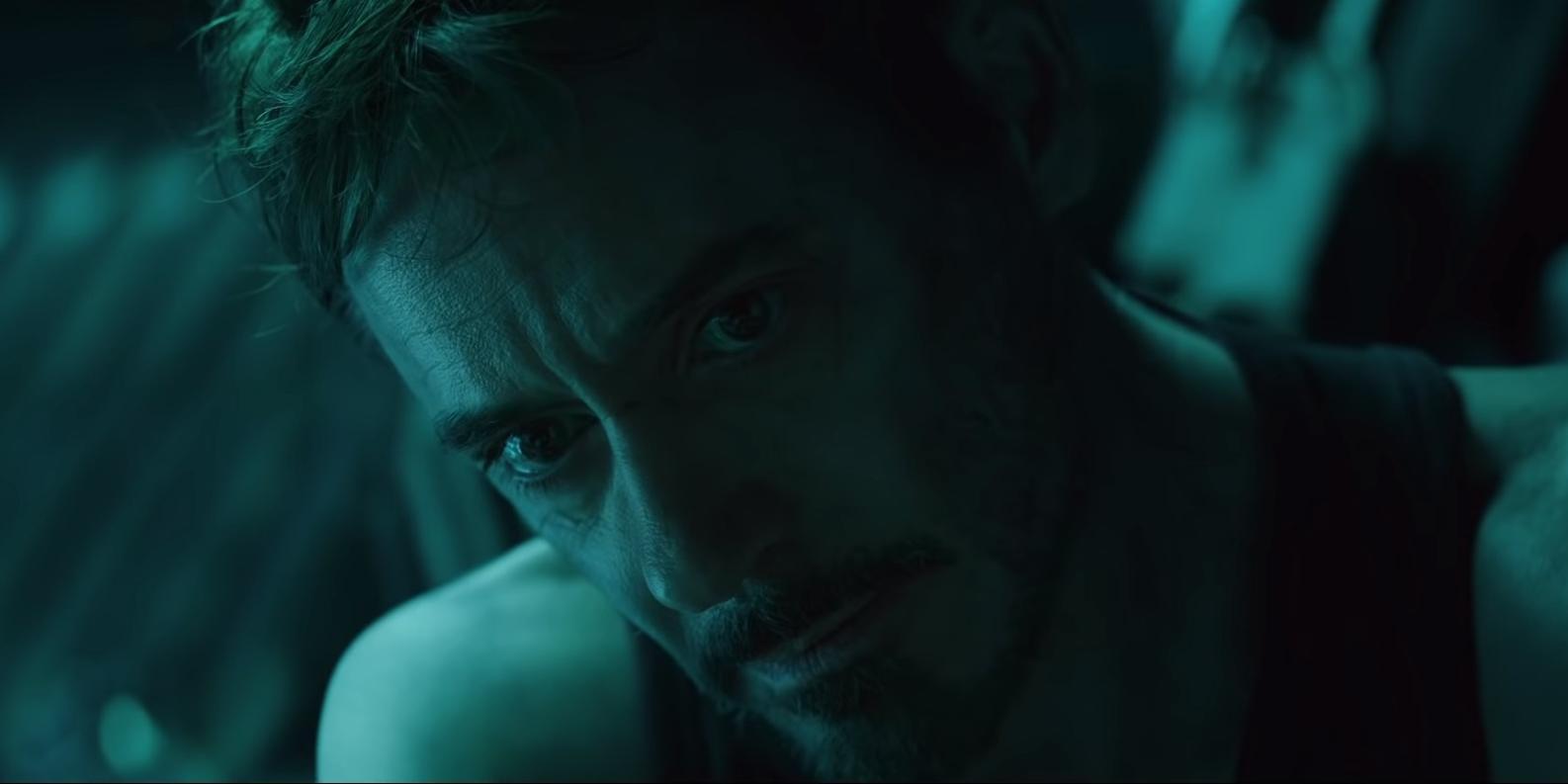 Robert Downey Jr. é Tony Stark em Vingadores
