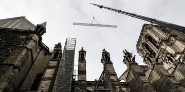 Presidente Emmanuel Macron quer que prédio seja restaurado em até cinco anos