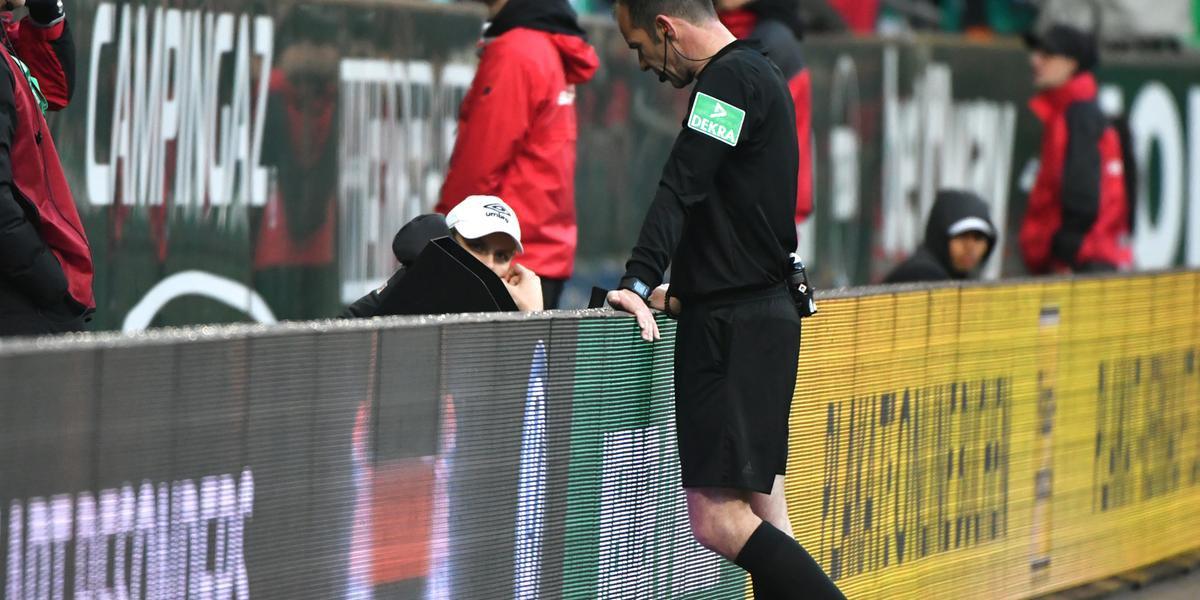 Medida ainda pode esbarrar em dificuldades de alguns estádios, admitiu Domínguez