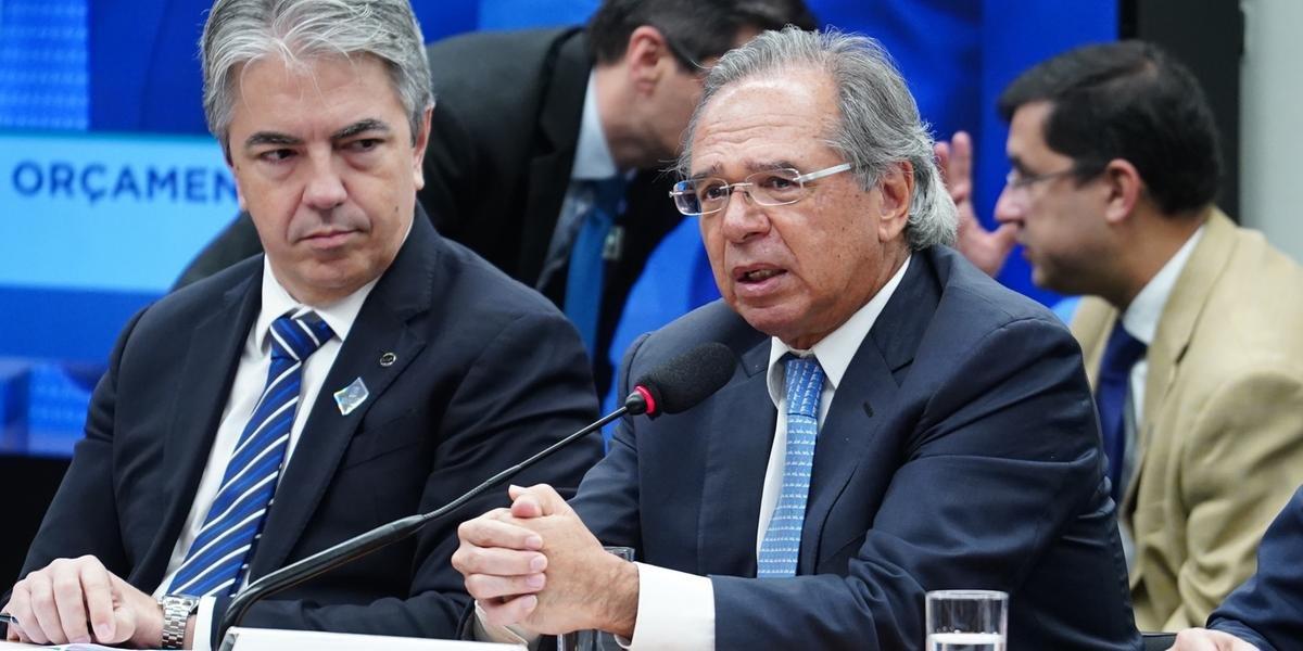 Segundo Guedes, a desaceleração do crescimento econômico reduz as receitas do governo e torna necessário o contingenciamento