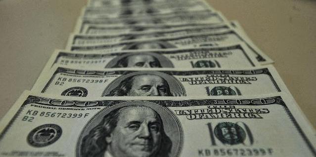 Guerra comercial e instabilidade política no país contribuem para cenário de alta da moeda norte-americana