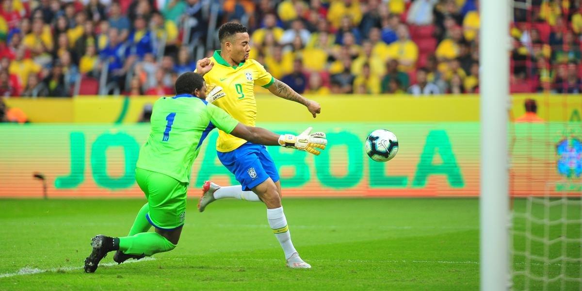 Gabriel Jesus marcou duas vezes na goleada do Brasil sobre Honduras