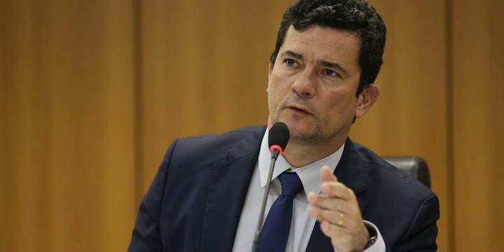 Resultado de imagem para Moro diz que jornalistas também tiveram celulares hackeados por 'grupo criminoso'
