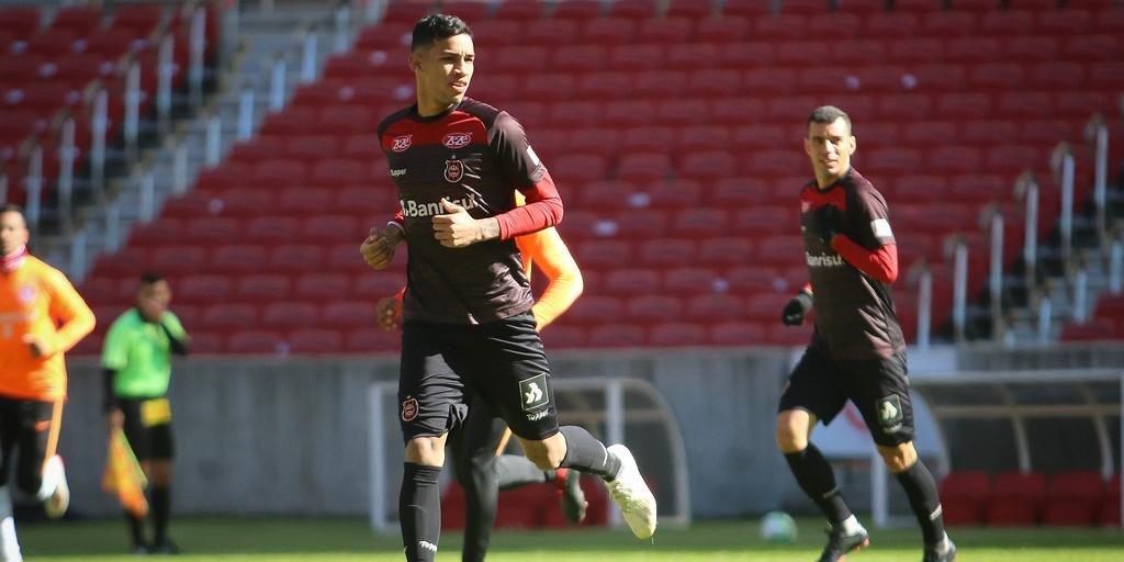 Centroavante Fabrício chegará por empréstimo até o final de janeiro com opção de compra para o Grêmio