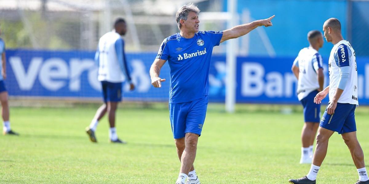 Renato Portaluppi fez mistérios sobre o time do Grêmio que pretende enviar a campo no sábado