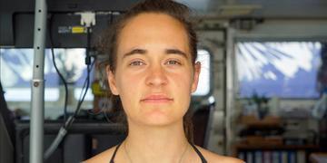 Carola está escondida pois recebeu ameaças de morte após ser presa