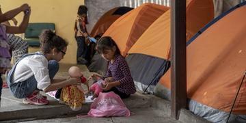 Segundo relatório, 52% das crianças não frequentam a escola