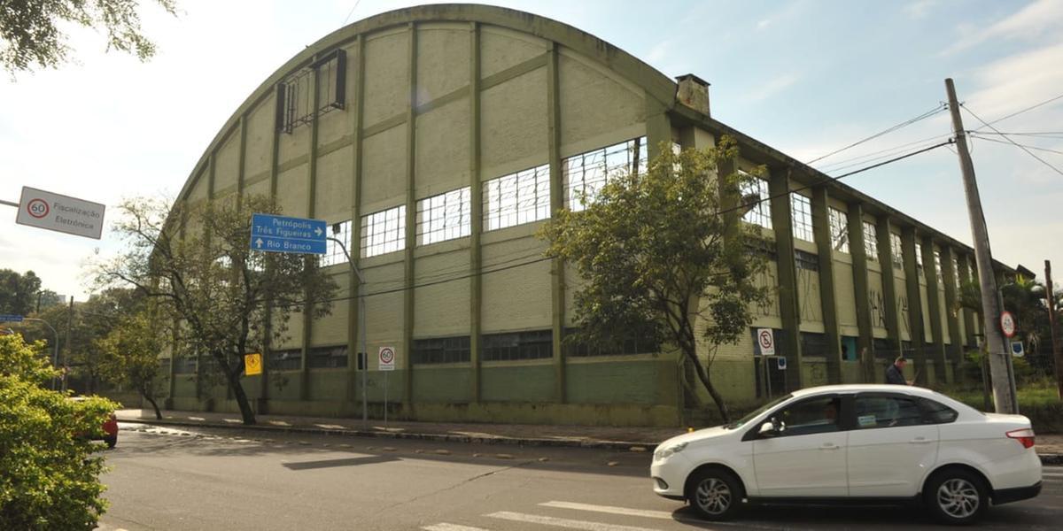 Trabalhos vão interromper duas faixas da rua Silva Só, em Porto Alegre