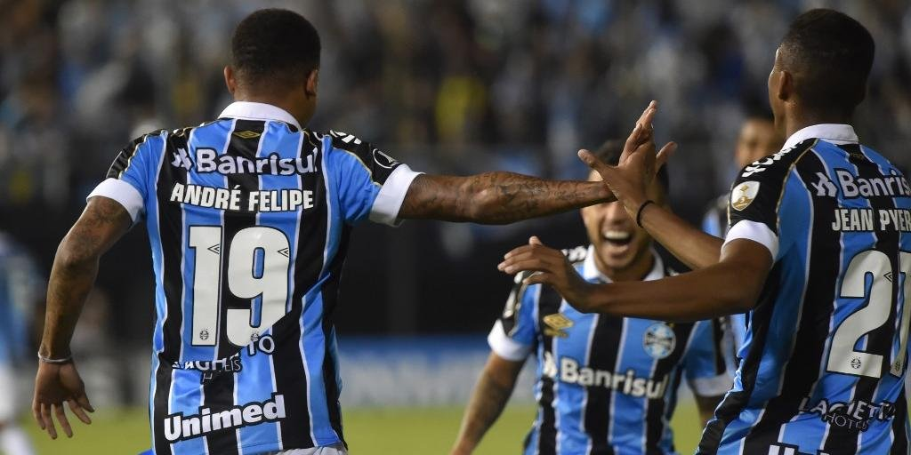André desencantou no Paraguai e marcou dois gols na vitória do Grêmio sobre o Libertad