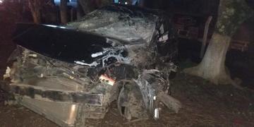 Veículo Ford Fusion foi abandonado por motorista
