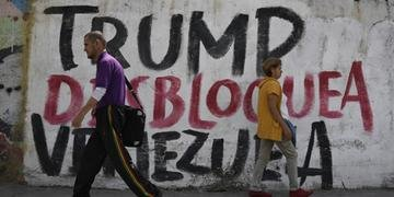 Maduro e seus aliados atribuem carências às sanções impostas pelos Estados Unidos