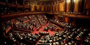 Senado italiano adiou qualquer decisão sobre a crise do governo até 20 de agosto