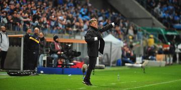 Treinador elogiou a equipe após a vitória por 2 a 0 sobre o Athletico-PR