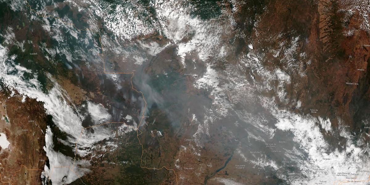Imagem de satélite mostra fumaça de queimadas no Brasil