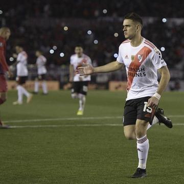 River venceu por 2 a 0 e ficou perto de vaga na semifinal da Libertadores